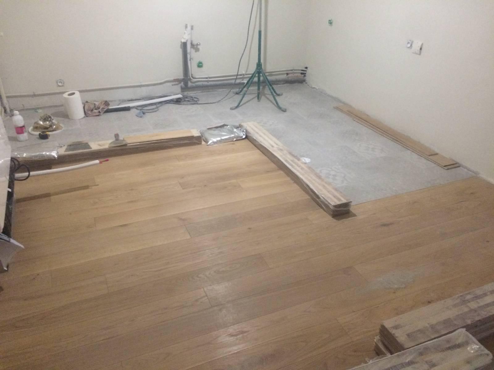 Ragréage Sur Parquet Pour Pose Carrelage rénovation totale d'appartement avec application de peinture